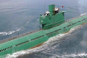 Nghi vấn Triều Tiên chuẩn bị hạ thủy tàu ngầm mang tên lửa đạn đạo