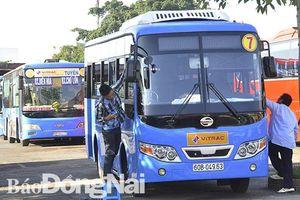 Xe buýt cần nâng chất lượng phục vụ để thu hút khách