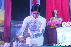 Bà chủ gốm sứ Bát Tràng thi Tea Master Cup Việt Nam: 'Đây là lần đầu tiên tôi pha trà tệ đến vậy'