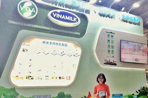 Người tiêu dùng Trung Quốc hồ hởi đón nhận sản phẩm Vinamilk sau khi nghị định thư được thông qua