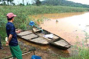 Lật thuyền trên hồ thủy điện Thác Mơ, 3 học sinh đuối nước thương tâm