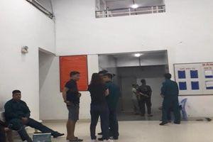Một bảo vệ chết thương tâm khi rơi vào thang máy tại chung cư