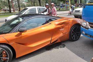 Siêu xe McLaren 720S va chạm với xe buýt, hông xe móp méo