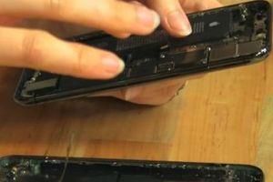 Apple 'giấu' tính năng sạc ngược không dây trên bộ ba iPhone mới