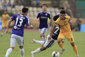 Lạ lùng khi thầy Park gọi 32 cầu thủ lên tuyển trước trận Việt Nam gặp Malaysia