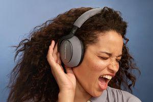 Bowers & Wilkins giới thiệu loạt tai nghe không dây mới: loại bỏ tiếng ồn, kết nối sâu