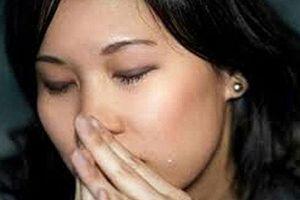 Chồng có mùi hôi không thể chịu nổi, vợ nhất quyết đòi ly hôn