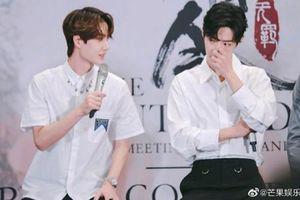 Những khoảnh khắc đáng yêu của hai mỹ nam Tiêu Chiến và Vương Nhất Bác trong fan meeting khiến trái tim thiếu nữ 'rụng rời'