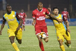 Kết quả V-League: Khánh Hòa thắng sốc, Thanh Hóa ngồi trên đống lửa