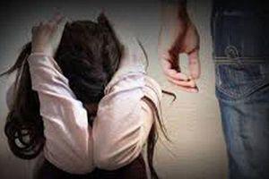 Đắk Lắk: Truy tố nam thanh niên nhiều lần quan hệ với người yêu 'nhí' tại nhà nghỉ