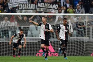 SỐC: Sau 'ngón tay thối', Ronaldo mắng antifan là ngu ngốc