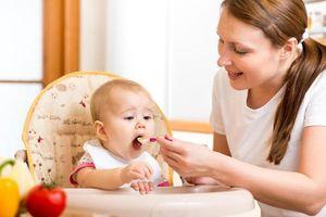 Nấu ăn cho trẻ bằng lò vi sóng, liệu có an toàn?