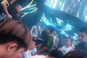 Cảnh sát đột kích quán bar, 145 người dương tính với ma túy