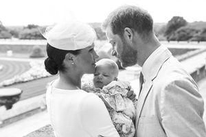 Hoàng tử Archie chưa đầy 5 tháng tuổi đã có công quyên góp hơn 100 triệu VNĐ