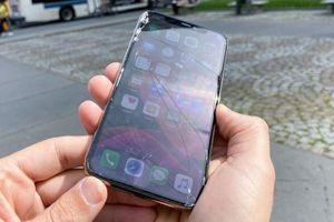 Hình ảnh iPhone 11 Pro vỡ nát sau thử nghiệm rơi từ độ cao 1m