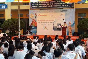 Công an huyện Gia Lâm tuyên truyền kiến thức pháp luật, ATGT cho học sinh
