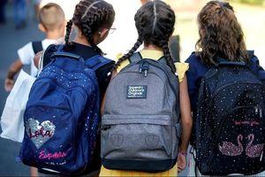 Phụ huynh phẫn nộ vì trường dạy trẻ tự kích thích vùng kín