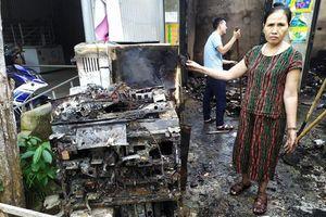 Nổ trạm biến áp ở Hà Tĩnh, nhiều nhà đân bị chập cháy đồ điện