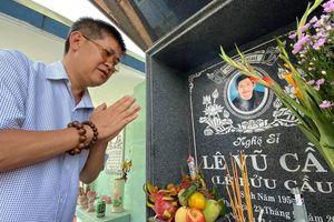Phước Sang, Lê Tuấn Anh đến viếng mộ cố nghệ sĩ Lê Vũ Cầu