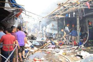 Hàng chục gian hàng ở chợ Tó tan hoang sau hỏa hoạn