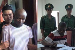 Bắt giữ 2 người đàn ông quốc tịch Nigeria vận chuyển gần 15kg ma túy đá vào Việt Nam