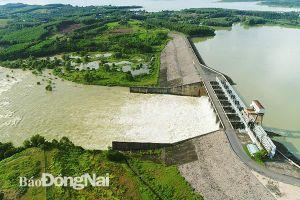 Thủy điện Trị An tiếp tục tăng lượng nước xả qua tràn