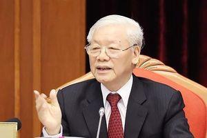 Bộ Chính trị cấm người thân quan chức can thiệp vào công tác cán bộ