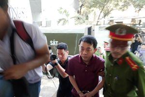 Xét xử 'VN Pharma bán thuốc giả chữa ung thư': Thứ trưởng Bộ Y tế Trương Quốc Cường không đến tòa