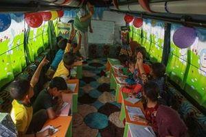'Xe bus học đường' chắp cánh ước mơ đi học cho trẻ em Syria