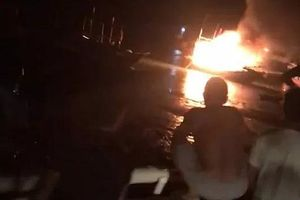 Thanh Hóa: Nổ tàu cá, 2 người chết, nhiều người bị thương và mất tích