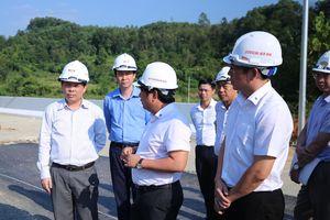 Bộ trưởng Bộ Giao thông kiểm tra chất lượng cao tốc Bắc Giang - Lạng Sơn