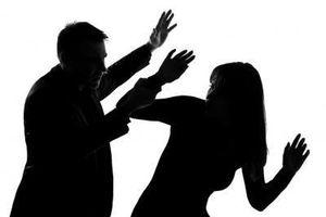 Bất bình trước hành vi bạo lực gia đình