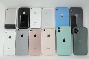 Ngâm nitơ lỏng, iPhone 11 hỏng nặng, máy đời cũ vẫn chạy tốt