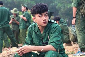 Xuất thần với bức ảnh quân sự, nam sinh FPT được dân mạng ưu ái gọi 'soái ca'