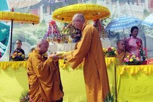Đại đức Thích Thanh Toàn là sư trụ trì chùa Nga Hoàng từ năm 2008