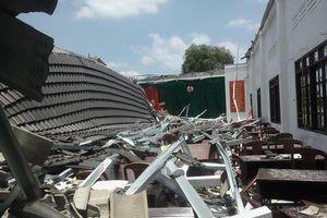 Hội trường 250 chỗ sập ngay trước giờ đại hội chi bộ cơ sở