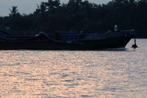 Bài 1: Vàm Thom, bến đò Nhuận Phú Tân dày đặc 'cát tặc' trong đêm…
