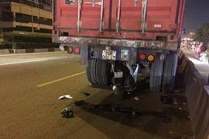 Tông vào đuôi xe container dừng trên đường, nam thanh niên chết thảm