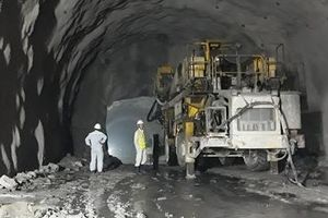 Mũi khoan cuối cùng đào thông hầm đường bộ Hải Vân 2