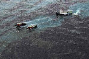 Tàu Việt Dũng 36 bị chìm, 6 tấn dầu nguy cơ tràn ra biển