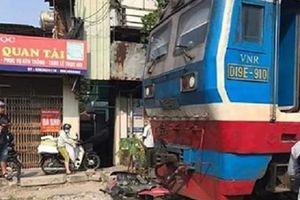 Va chạm với tàu hỏa, một nam thanh niên đi xe máy tử vong