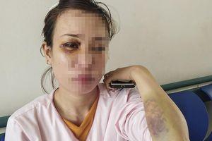 Người phụ nữ mang thai bị hàng xóm hành hung phải nhập viện