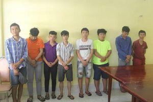Bắt 8 người trong nhóm dùng hung khí vây công an, dân phòng