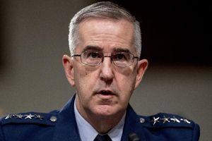 Sau lùm xùm tấn công tình dục, Tướng 4 sao Mỹ được chuẩn thuận