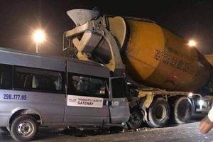 Ô tô đưa đón học sinh trường Gateway tông đuôi xe bồn trong đêm, tài xế mắc kẹt trong ca bin