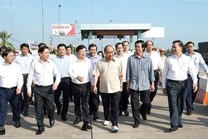 Thủ tướng thị sát dự án cao tốc Trung Lương - Mỹ Thuận