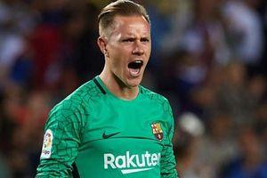 Thủ môn Ter Stegen kiến tạo bàn thắng đưa Barca lên nhì bảng