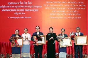 Chủ tịch QH Nguyễn Thị Kim Ngân dự Hội thảo chuyên đề giữa QH Việt Nam và QH Lào