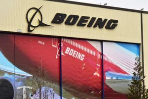FAA yêu cầu Boeing điều tra các vết nứt trên máy bay 737 NG