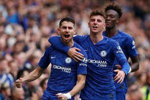 Chelsea thắng nhẹ Brighton 2-0, Tottenham chật vật vượt qua Southampton 2-1